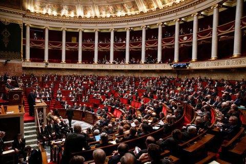 У Франції голосування про недовіру уряду завершилося провалом