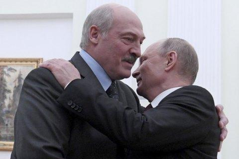 В Кремле сообщили, что Путин не заразился COVID-19 от Лукашенко