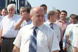 """Буковинского """"лозинского"""" обвинили в применении оружия к детям"""