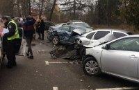 Жінка на джипі в'їхала в парковку в Боярці, пошкодивши п'ять автомобілів
