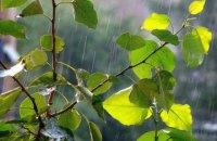 На понеділок українцям обіцяють дощі, температура до +25