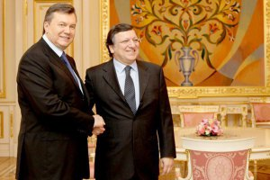 Баррозу выразил Януковичу свое потрясение событиями в Украине