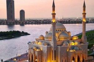 Дрес-код для туристів спричинив суперечки в ОАЕ