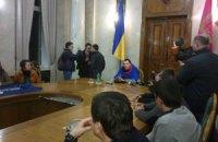 В кабинет Добкина уже водят экскурсии