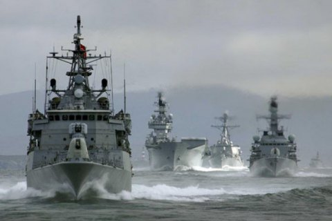 Корабли РФ приказали изменить курс гражданским судам в экономической зоне Литвы