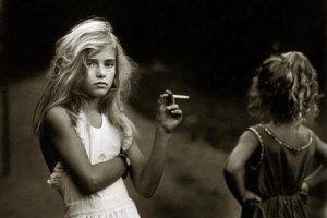 В Украине дети начинают курить в 11 лет, - ООН