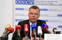 Хуг вирушає із незапланованою поїздкою на Донбас