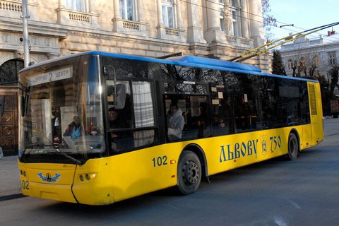 Львов подписал с ЕБРР кредитный договор на 50 троллейбусов