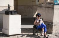 Однофамилица Березюка объявила голодовку под мэрией Львова в знак протеста против Садового