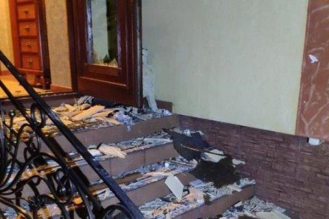 На Закарпатье из гранатомета обстреляли частный дом
