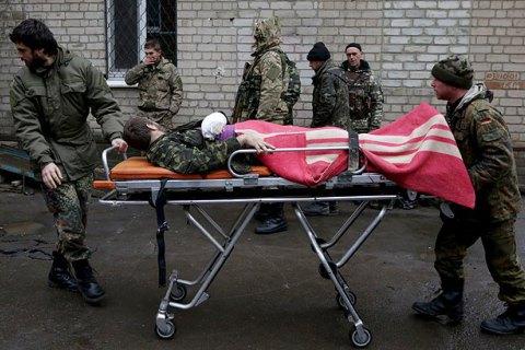 Під час обстрілу Авдіївки поранено військового