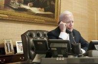 Байден зателефонував Путіну і запропонував зустріч на нейтральній території