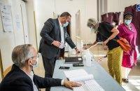 У Франції перший тур регіональних виборів відбувся з рекордно низькою явкою