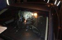 Пьяный военком в Луцке во время задержания разбил головой стекло автомобиля