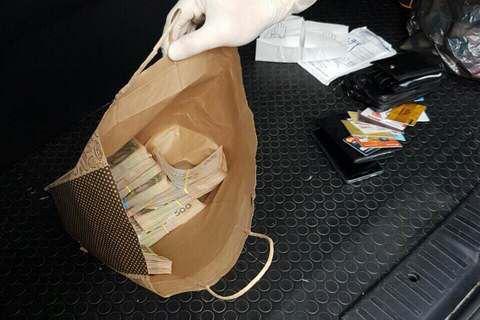 Харьковского налоговика поймали на взятке 500 тыс. грн