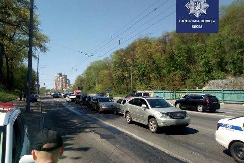 У Києві сталася аварія за участю 7 автомобілів