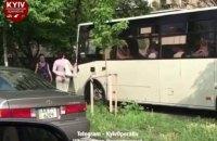 В Киеве уволили водителя маршрутки, который объехал пробку по тротуару