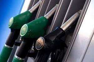 Рост цен на бензин в четверг замедлился