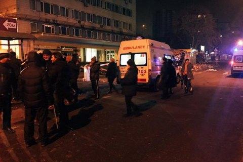 Во время ночного разгрома МАФов возле метро КПИ пострадали пять человек (обновлено)