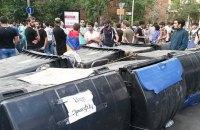 Поліція Єревану дала протестувальникам час до вечора, щоб піти з проспекту Баграмяна