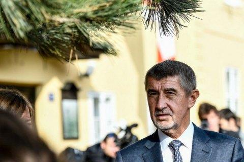 Премьер Словакии поздравил «друга Земана» спереизбранием