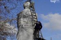 В Запорожье сносят 40-тонный памятник Дзержинскому