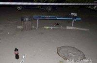 В Киеве трое пьяных парней избили полицейского за замечание