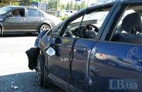 ДТП в Киеве: Honda перевернулась от столкновения с микроавтобусом