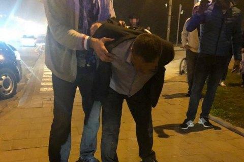 """Начальника поста """"Рава-Русская"""" Львовской таможни поймали на взятках"""