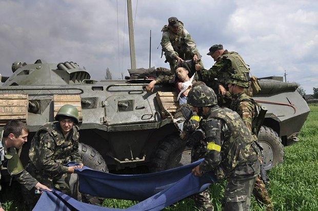 Бойцы в районе села Дибровка Донецкой области