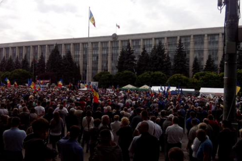 Жители Кишинева вышли на антиправительственный митинг