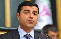 У Туреччині для заарештованого лідера опозиційної партії зажадали 142 років в'язниці