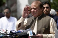 """Экс-премьер Пакистана заочно получил 10 лет из-за """"панамского архива"""""""