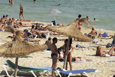 Испания решила открыть границы для туристов с июля