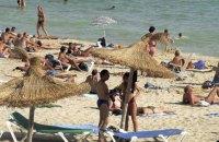 Іспанія вирішила відкрити кордони для туристів з липня
