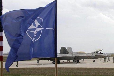 В НАТО опровергли информацию о наращивании сил у границ Беларуси