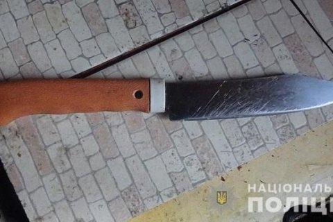 В Киеве мужчина ранил ножом арендатора квартиры и сдался полиции