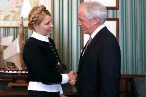Тимошенко обговорила із сенатором США заходи збільшення допомоги Україні