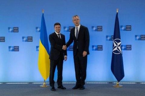 Зеленский заявил генсеку НАТО о готовности к переговорам с РФ для достижения мира