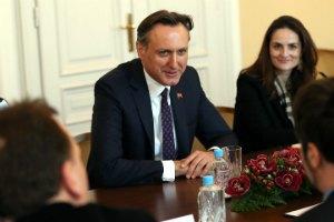 """ПА ОБСЄ закликала сепаратистів скасувати """"абсурдні"""" референдуми на сході України"""