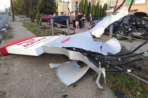 В Ивано-Франковске девушка на BMW разбила пять автомобилей на парковке
