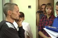 Новоукраинский депутат, моривший 4-летнего сына голодом, отпущен под домашний арест