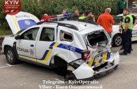 В Киеве женщина-водитель на Audi опрокинула полицейский Renault