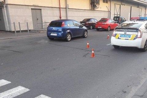 """В Киеве возле """"Дрим Тауна"""" 18-летний водитель сбил насмерть женщину"""