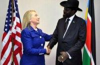 """""""Синьхуа"""" раскритиковало замечания Клинтон о турне в Африку"""