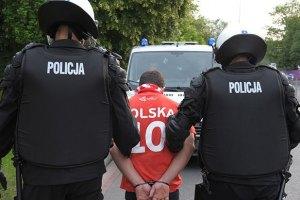 Двоє польських фанатів отримали тюремні терміни за бійку в Варшаві