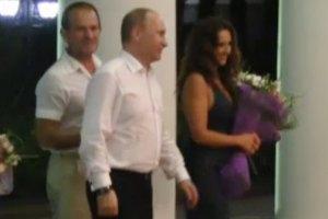 Путин после встречи с Януковичем навестил свою крестницу