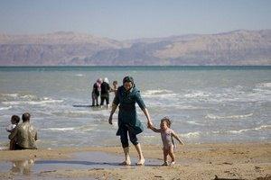 Уровень воды в Мертвом море постепенно снижается