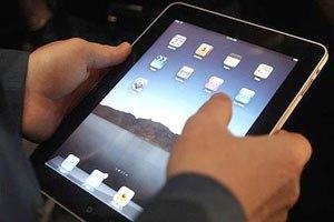 Янукович овладел iPad'ом