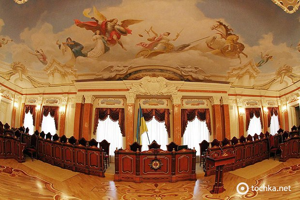 Зал Верховного Суду України